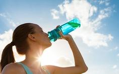 Luôn thấy khát nước cảnh báo bệnh gì?