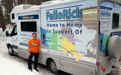 Ông giáo già chạy xuyên Canada gây quỹ giúp trẻ ung thư