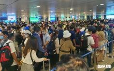 Sân bay Tân Sơn Nhất phải làm gì để giảm ùn ứ tại khu vực soi chiếu an ninh?
