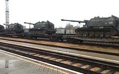 Ukraine: Nhiều xe tăng, khí tài quân sự Nga áp sát biên giới, Mỹ cảnh báo Matxcơva