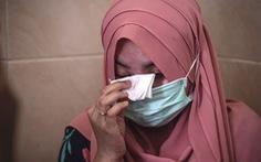 Thủy thủ tàu ngầm Indonesia dặn vợ và con gái cầu nguyện trước khi mất tích