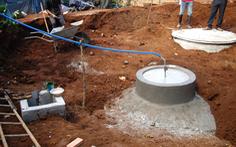 Một người chết sau khi xuống hầm biogas cứu người