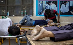 Ấn Độ rút ống thở người già, nhường oxy cứu người trẻ