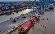 Cấm tàu thuyền đi trên tuyến rạch Dơi - sông Kinh để tìm vớt container