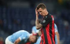 Thảm bại trước Lazio, AC Milan hết cửa vô địch