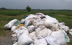 Trích xuất camera truy tìm 'thủ phạm' đổ trộm rác ở Củ Chi