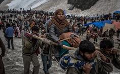 Ấn Độ cho 600.000 người hành hương, bất chấp COVID-19 đang làm hàng trăm ngàn người chết