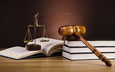 Tạm nghỉ một buổi tư vấn pháp lý chiều 1-5