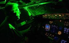 Máy bay lại bị chiếu đèn lazer vào buồng lái khi hạ cánh tại Nội Bài, Tân Sơn Nhất