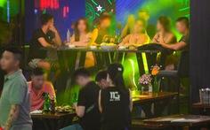 NÓNG: TP.HCM tạm dừng karaoke, quán bar, vũ trường từ 18h ngày 30-4