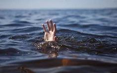Vớt dép rơi xuống sông, nam học sinh lớp 6 chết đuối