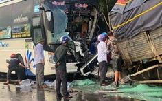 Xe khách tông trực diện xe tải, tài xế xe tải tử vong