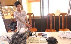 Bắt khẩn cấp 2 nghi phạm trộm tiền và vàng trong két sắt gần 600 triệu đồng
