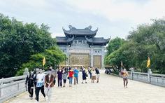 Lo ngại COVID-19, Đồ Sơn, Sa Pa, chùa Bái Đính... vắng khách sáng 30-4