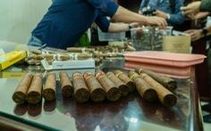 Nam tiếp viên hàng không cầm đầu đường dây lớn buôn lậu xì gà