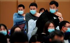 Trung Quốc thưởng... trứng cho dân tiêm đủ 2 liều vắc xin nội địa