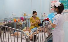 TP.HCM: Bệnh tay chân miệng tiếp tục tăng mạnh, nhiều ca nặng