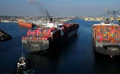 Cảng ở California tắc nghẽn tàu container không khác gì sự cố kênh đào Suez