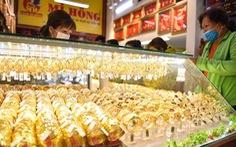 Giá vàng thế giới bất ngờ tăng vọt, nhưng xuất hiện cảnh báo rủi ro