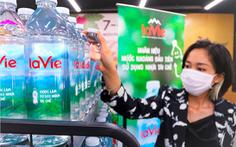 Chai nhựa tái chế: Xu hướng tiêu dùng 'xanh' trong ngành nước đóng chai