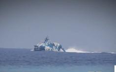 'Tàu tên lửa Trung Quốc rượt tàu chở phóng viên Philippines trên Biển Đông'