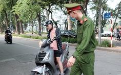 Mới 10 ngày, Hà Nội phạt người không đeo khẩu trang hơn 3 tỉ đồng
