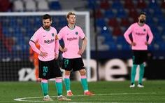 Đánh rơi chiến thắng, Barca cạn hi vọng vô địch