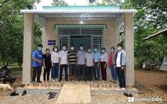 Khang Điền trao tặng 2 căn nhà tình thương cho người dân khó khăn