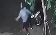 Truy bắt nghi phạm đánh vào gáy tài xế xe ôm để cướp xe