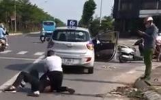 Xác minh thông tin 'công an đứng nhìn tài xế bị thương vật lộn với tên cướp'