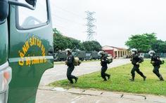 Gần 300 cán bộ, chiến sĩ cảnh sát cơ động lên đường 'chi viện' cho Bắc Giang