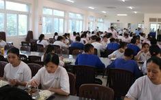 Công nhân ở TP.HCM buộc phải khai báo y tế hằng ngày