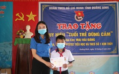 Tặng huy hiệu 'Tuổi trẻ dũng cảm' cho học sinh 12 tuổi cứu thanh niên 22 tuổi đuối nước