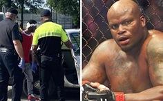 Trộm xe của cao thủ MMA, tên cướp bị đánh 'bầm mình' trước khi cảnh sát đến