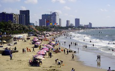 Biển Vũng Tàu đã vắng khách, quyền chủ tịch thành phố ra túc trực chống dịch