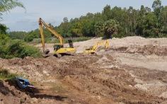 Chặn dòng kênh Vĩnh Tế để xử lý đá ngầm, khơi thông dòng chảy cho tàu, thuyền lưu thông
