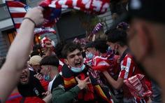 CĐV 14 tuổi qua đời khi ăn mừng chức vô địch của Atletico Madrid