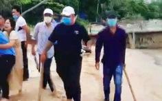 Chủ resort có bảo vệ đánh người nói: 'Muốn bảo vệ đàn cá ven biển'