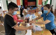 Hàng tỉ đồng hỗ trợ đến tay người lao động khó khăn ở Bắc Giang, Bắc Ninh