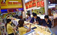 Bị bán tháo, giá vàng thế giới về sát 1.800 USD/ounce