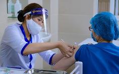 Đề xuất ưu tiên tiêm vắc xin phòng COVID-19 cho công nhân tại doanh nghiệp