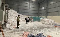 Hơn 1.000 bao bột sắn 'Made in Laos' được 'phù phép' sang nhãn hiệu Việt Nam
