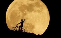 Thưởng thức 'siêu trăng máu' khắp thế giới 10 năm mới có 1 lần