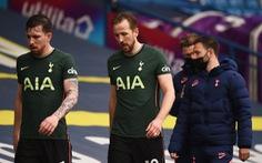 Thua Leeds, Tottenham cạn hi vọng dự Champions League