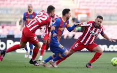 Barca chia điểm với Atletico Madrid ở trận 'chung kết sớm'