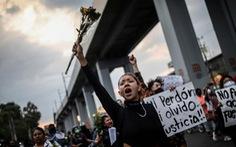 Dân Mexico City biểu tình phản đối chính quyền sau vụ sập đường sắt trên cao