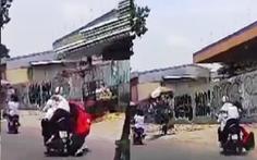 Va chạm giao thông bỏ chạy, học sinh bị 'tố' cướp giật ở Tân Bình
