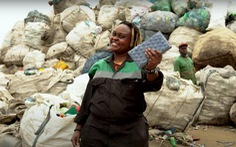Biến rác thải nhựa thành gạch xây nhà