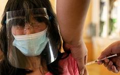 Philippines nuốt trái đắng vì mua vắc xin Thái Lan