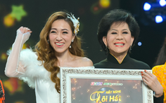 Tina Ngọc Nữ khiến 'nữ hoàng sầu muộn' Giao Linh bật khóc